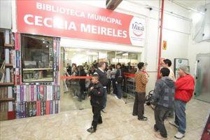 Biblioteca fica dentro do Green Plaza Shopping,no Centro de Mauá. (Foto: Roberto Mourão/PM)