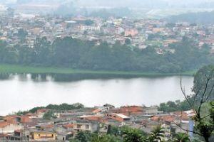 Trecho da represa Billings em Rio Grande: ameaça da dioxina. Foto: Luciano Vicioni