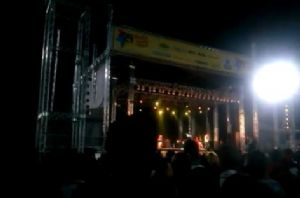 Cantor Naldo se apresentando na 29ª Festa Junina de Mauá.