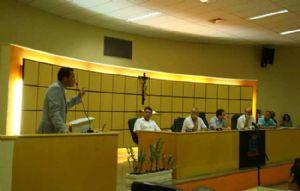 Donisete Braga participa da primeira sessão ordinária da Câmara de Mauá. Crédito: PMM