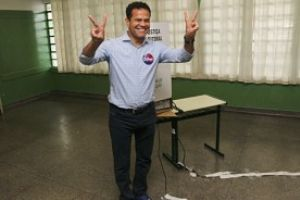 Braga votou em colégio eleitoral do Parque das Américas. Foto: Fabiano Ibidi