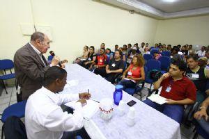 O secretário nacional de Economia Solidária (Senaes), Paul Singer, foi o principal convidado. Crédito: Mourão/ PMM