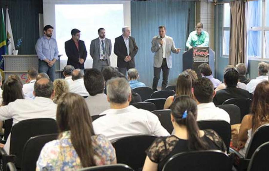 Apresentação da Caixa Econômica Federal a Empresários de Ribeirão Pires. Crédito: Rodrigo Zerneri