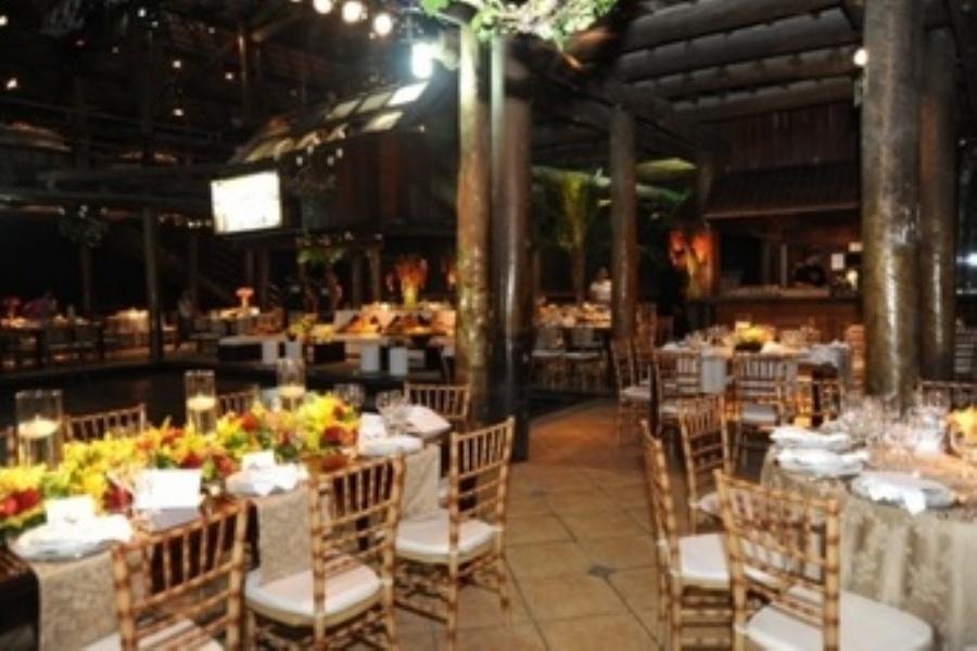O espaço oferece quatro espaços diferentes para realizar cerimônias, além de parceria com profissionais do setor. / Foto: Divulgação