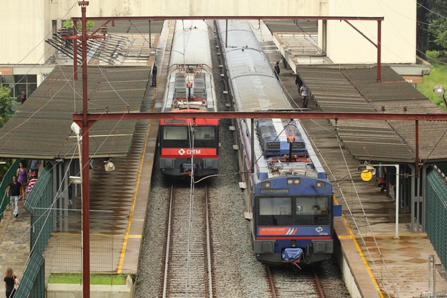 CPTM informou que não tem previsão para a circulação voltar ao normal. Foto: Rodrigo Pinto