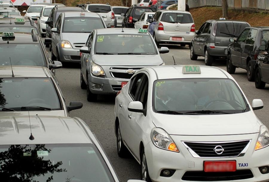 Presidente do Sindicato dos Taxistas do ABC afirma que Uber abocanhou 50% das corridas na Região desde 2015. Foto: Rodrigo Pinto