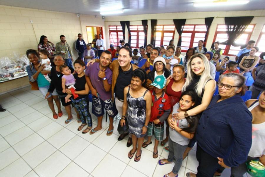 Andreia tem trabalhado para garantir mais doações aos programas; Atila elogia alcance social de ações. Crédito: Roberto Mourão/PMM