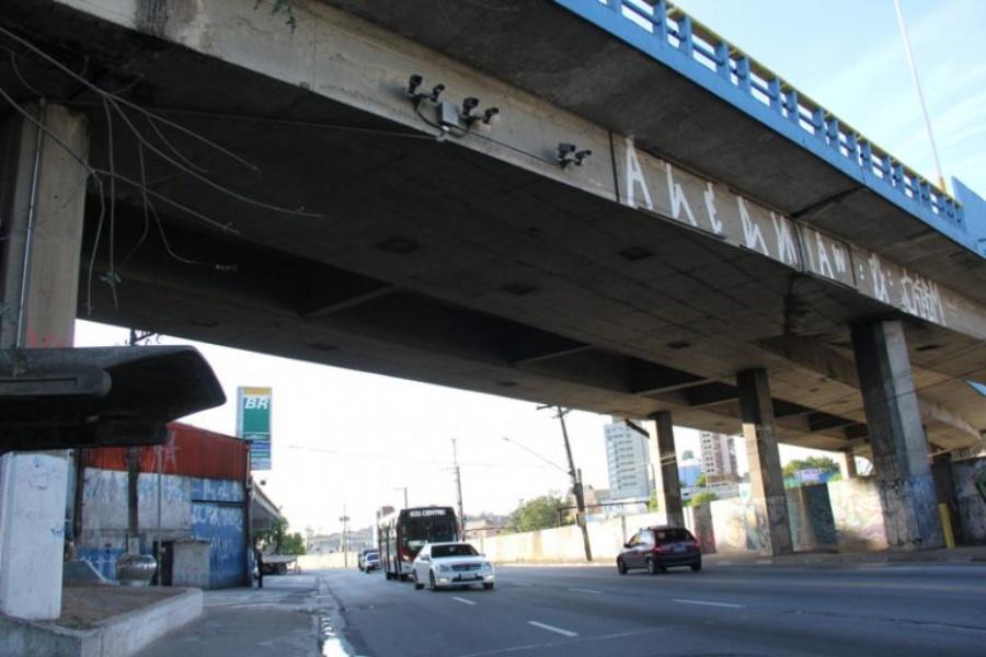 Radar na avenida Capitão João pega motoristas de surpresa. (Clique para ampliar a imagem – Foto: Pedro Diogo)