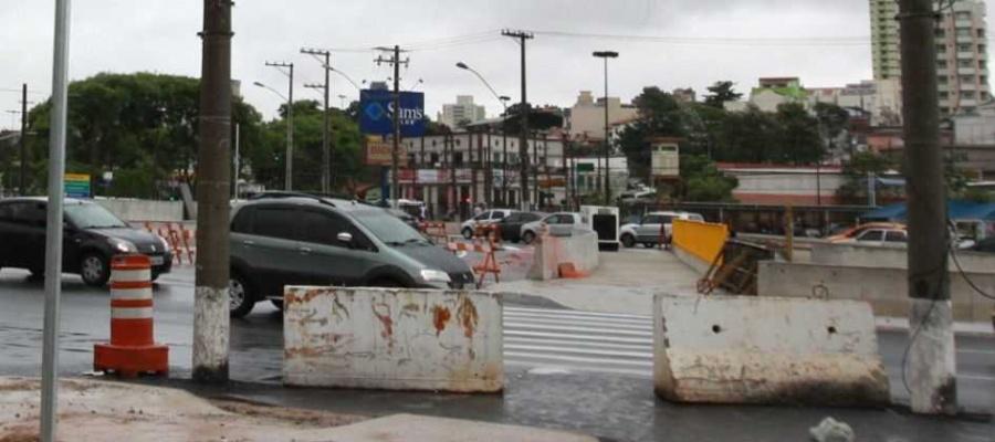 Prefeitura de Santo André conclui reconstrução de passagem derrubada pela chuva em abril. Foto: Denis Maciel/DGABC