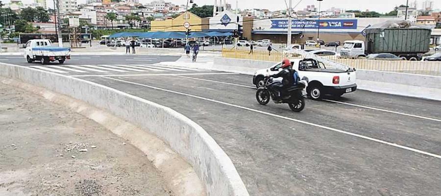 Acesso foi reconstruído após desabamento em abril; passagem de trólebus depende da Metra. Foto: Nario Barbosa/DGABC
