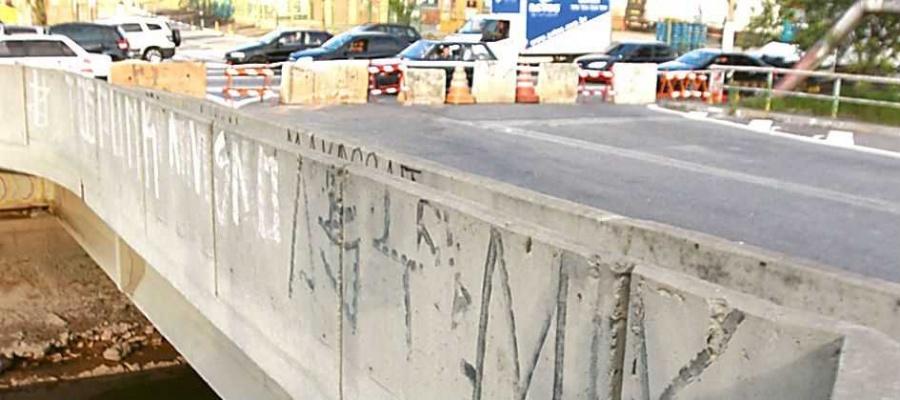 Prefeitura diz que estrutura apresenta condições de risco para motoristas que circulam na região. Foto: Denis Maciel/DGABC