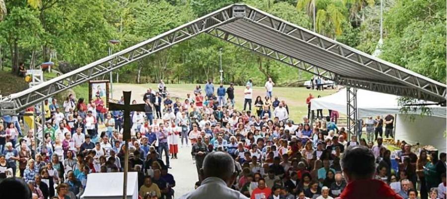 Missa campal e procissão celebraram data dedicada à santa na manhã de ontem, em Mauá