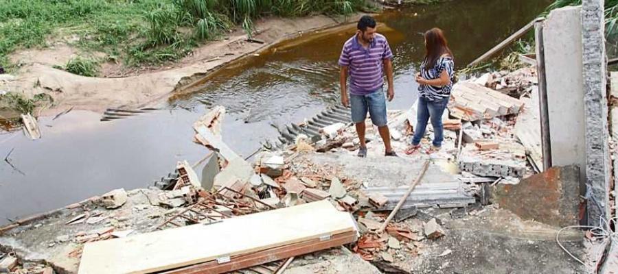 Imóvel foi erguido em área de risco, na Vila Assis Brasil, há 30 anos. Foto: Claudinei Plaza/DGABC