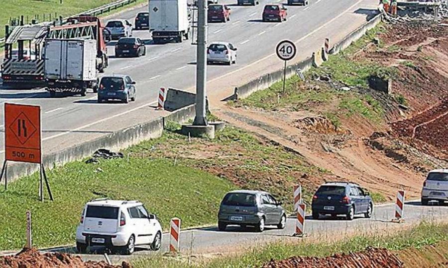 Ampliação da rodovia, no planalto, deve ficar pronta até o fim do mês. Foto: Nario Barbosa/DGABC