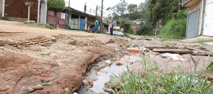 Apenas São Caetano tem os serviços de coleta e tratamento de esgoto universalizados, segundo levantamento. Foto: Claudinei Plaza/DGABC