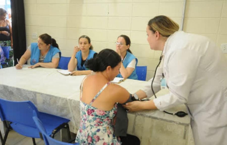 Evento beneficiou cerca de 70 famílias nesta sexta-feira, 31/8. Crédito: Robson Fonseca