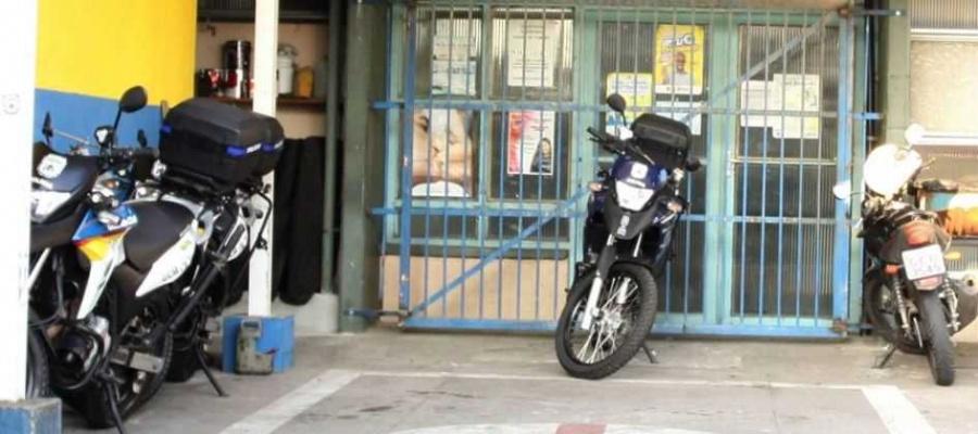 Ao todo, oito motocicletas serão retiradas de circulação hoje; medida afetará rondas policiais. Foto: Denis Maciel/DGABC